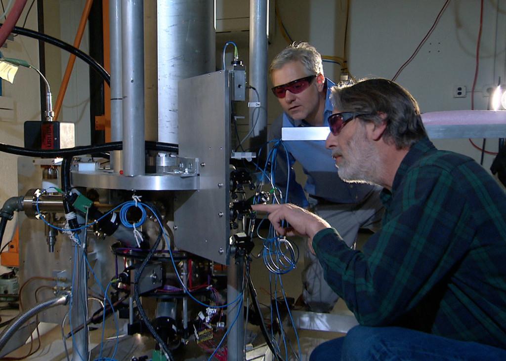 Измерение массы наночастиц на атомных весах