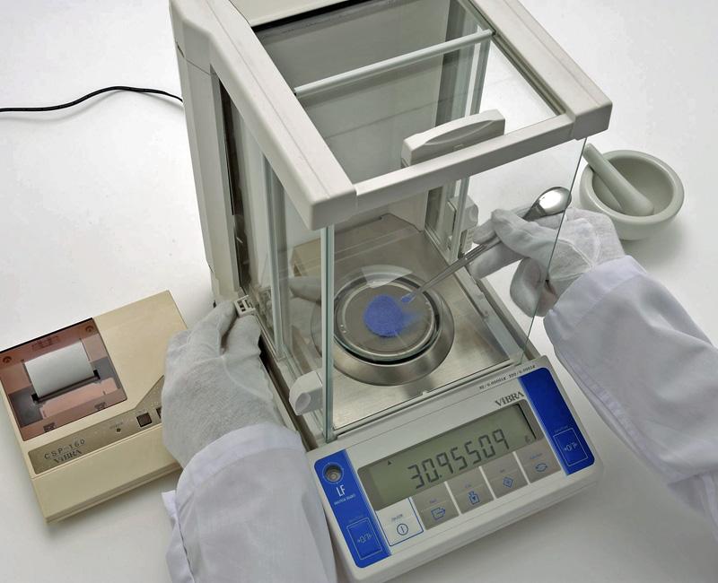 принцип работы лабораторных аналитических весов